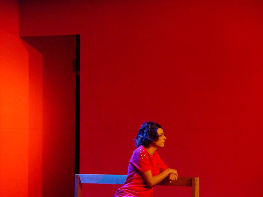 "Mal Me Queres en scène à ""A Bruxa Teatro""."